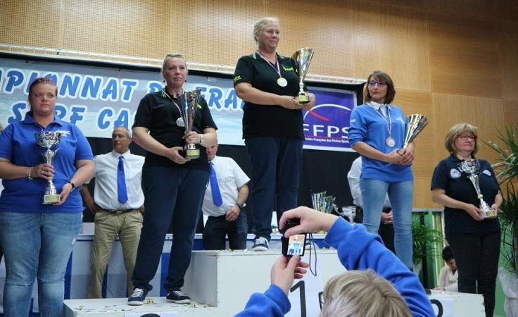 podium dames championnat de france surfcasting 2017.JPG