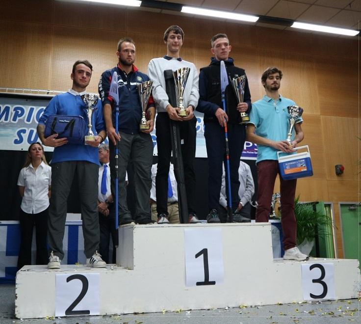 podium espoirs championnat de france surfcasting 2017.JPG