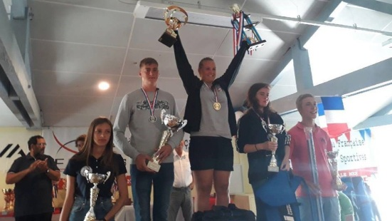 sarah durand championne de france surfcasting jeunes 2018