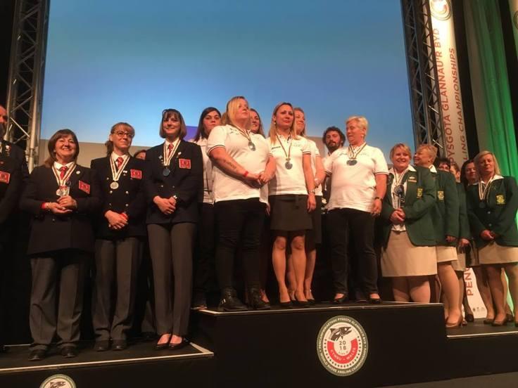 podium dames equipe
